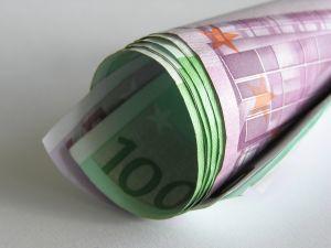 Pikavippikoneen kilpailusta mahdollisuus voittaa ilmainen 100 euron vippi