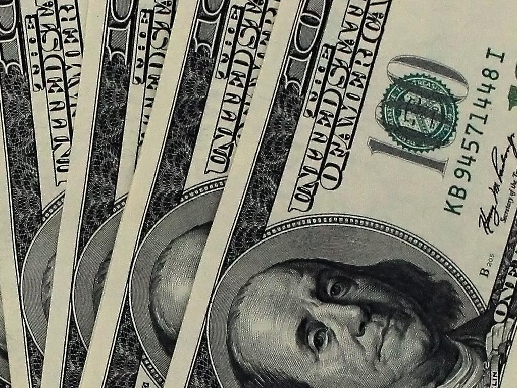 uudelleenvakuuttajille oli vakuudettomassa eurolla